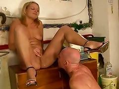 girl fucking and peeing on grandpapa