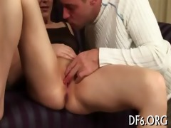 hotty loses her virginity